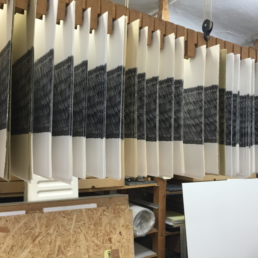 Paper weight Maze de Boer 5